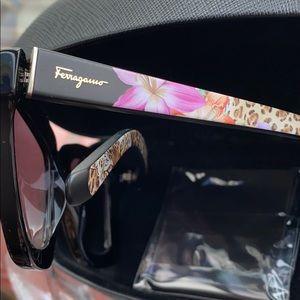Authentic EUC Salvatore Ferragamo Sunglasses
